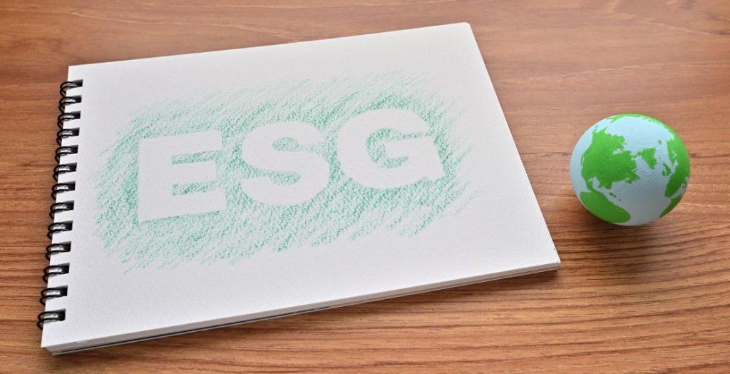ESG, Universal Investment