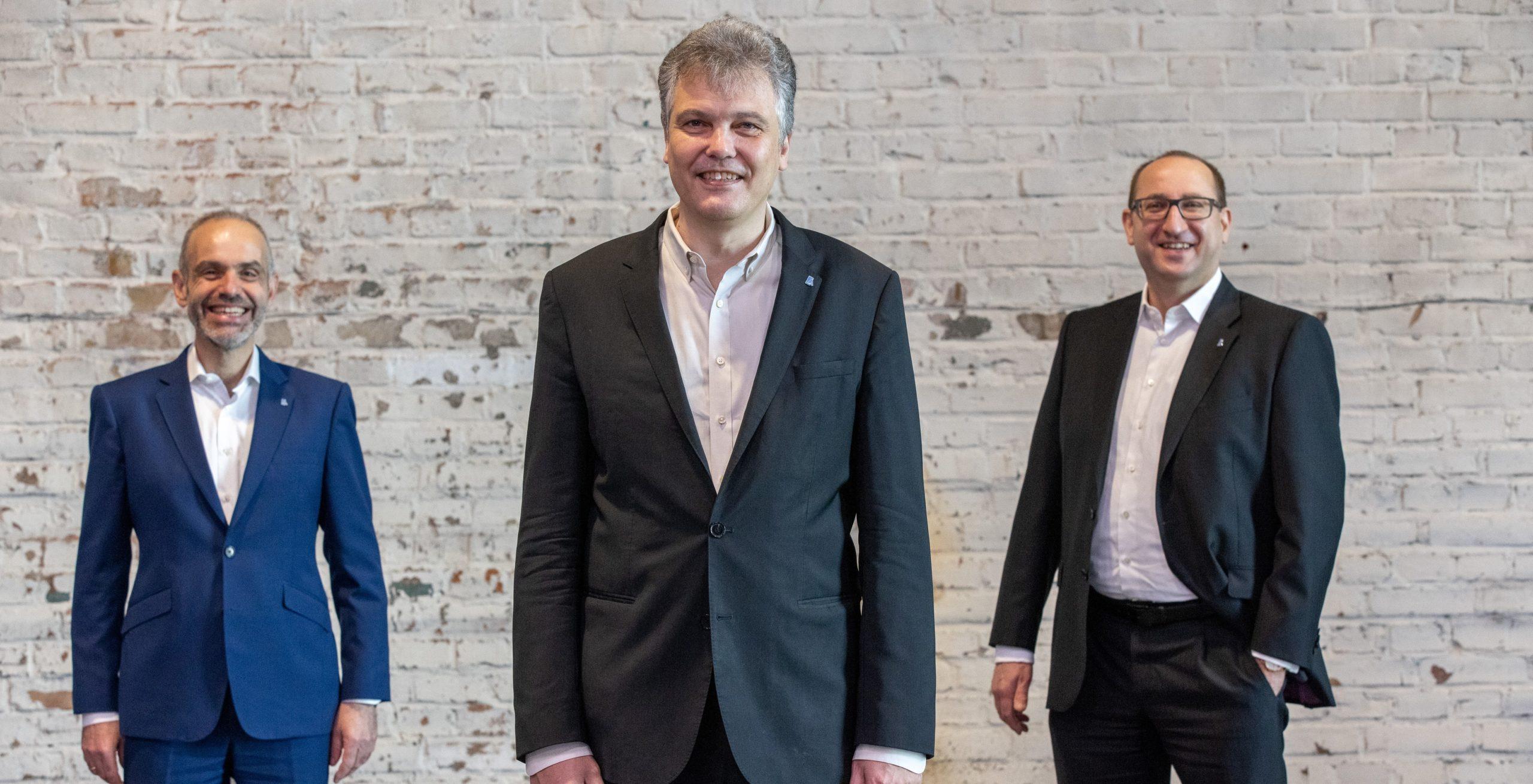 Der Vorstand der DAV besteht aus dem Vorsitzenden Dr. Herbert Schneidemann (Mitte), dem stellvertretenden Vorstandsvorsitzenden Dr. Maximilian Happacher (links) und dem unmittelbar vorangegangenen Vorsitzenden Dr. Guido Bader (rechts).